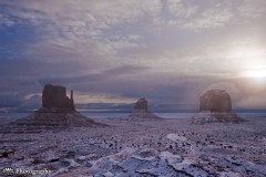 Sunrise after a snowstorm in Monument Valley